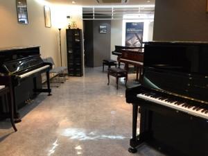ボストン・エセックスピアノショールーム