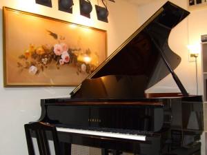 ファイネスト音楽教室レッスン用グランドピアノ