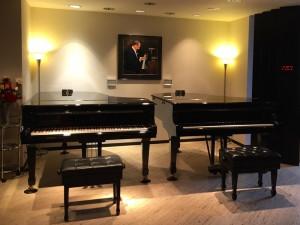 スタインウェイグランドピアノを2台常備