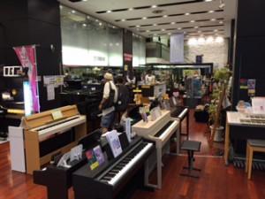 福ビルのヤマハ福岡店1階
