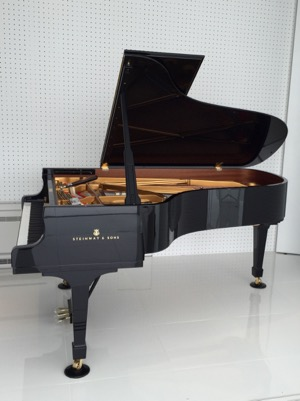 スタインウェイピアノB-211