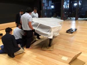 納品中のスタインウェイグランドピアノD-274